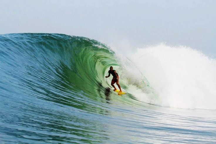 Brian Conley charging at home #surfing #bigwave #surf #pawasurf #tuberide
