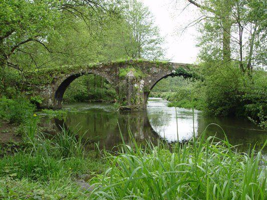 Entre los Ayuntamientos de Coristanco y Carballo encontramos A Ponte de Lubiáns, un lugar con un encanto especial y que, según se comenta, es de la época de los romanos.                GALICIA ESPAÑA  579483_385236738183742_1842926178_n.jpg (533×400)