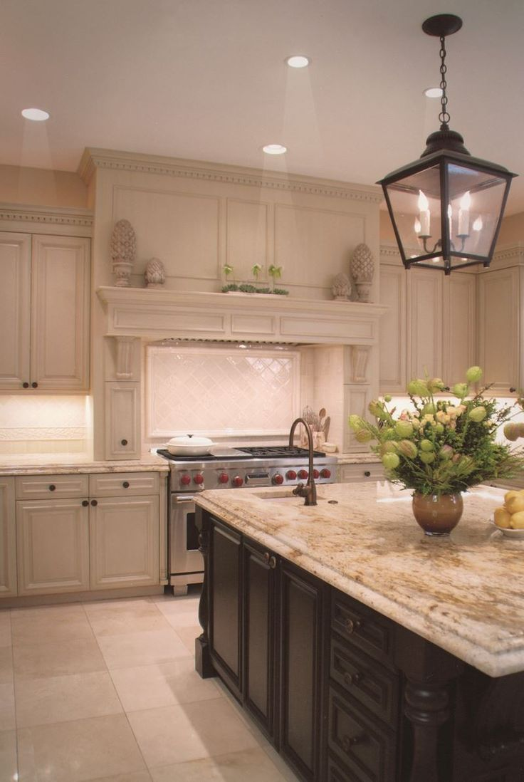 Mouser usa kitchens and baths manufacturer - Chic Kitchen Design With Lovely Cream Kitchen Cabinets From 1 Of 10 Projects By House Of L Interior Designers