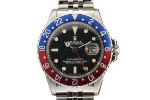 """ROLEX @ WWW.VALUECOLLECTION.COM  Open the following link for other photos of the watch.  www.valuecollection.com/public/1152/oggetti/392/index_colore2.swf.htm  Rolex """"Oyster Perpetual, GMT-Master, Superlative Chronometer, Officially Certified"""", Ref. 1675. Realizzato nel 1970 circa. Orologio da polso in acciaio inossidabile con doppio fuso orario secondi al centro, automatico, impermeabile, con data, speciale lunetta delle 24 ore, bracciale Rolex in acciaio e chiusura deployant."""