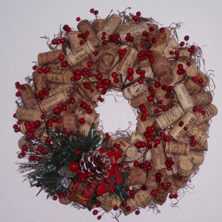 One of the better Cork Wreaths I've seenHoliday, Christmas Wreaths, Winecorks, Crafts Ideas, Wine Corks Crafts, Crafts Projects, Projects Ideas, Christmas Decor, Corks Wreaths