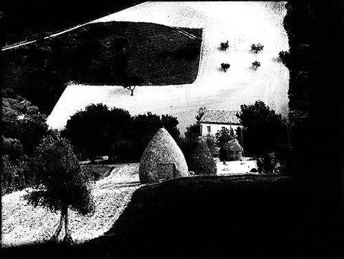 "Mario Giacomelli : ""Sea and Landscapes"" Series"