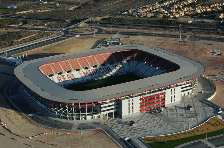Nueva Condomina es el nombre del estadio de fútbol del equipo español Real Murcia CF. Se encuentra en la pedanía de Churra, al norte del municipio de Murcia.España