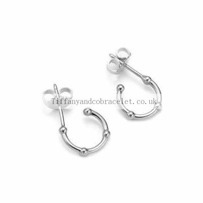 http://www.buytiffanyringsshop.co.uk/cost-effective-tiffany-and-co-earring-small-three-rows-silver-134-onlineshops.html#  Valuable Tiffany And Co Earring Small Three Rows Silver 134 Sales