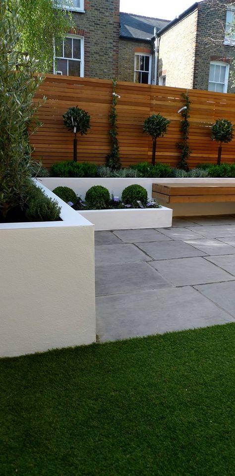 Hardwood Privacy Screen Trellis Slatted Batten Fence With Artificial Grass in Modern Low Maintenance Garden London (6)