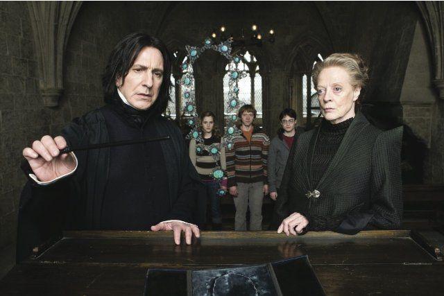 Still of Alan Rickman, Maggie Smith, Rupert Grint, Daniel Radcliffe and Emma Watson in Harry Potter ja puoliverinen prinssi (2009)