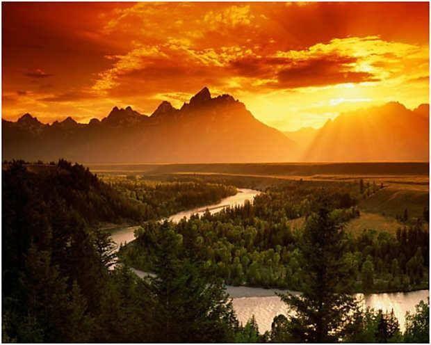 Snake RIver! Uno dei fiumi più lunghi del Nord America. Questi sono i suoi tornanti a spasso nel Parco Nazionale Gran Teton.