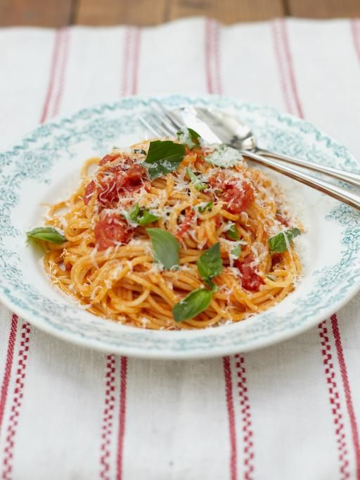 Classic tomato spaghetti | Jamie Oliver | Food | Jamie Oliver (UK) - 1 kg = 3 cups chopped tomatoes.