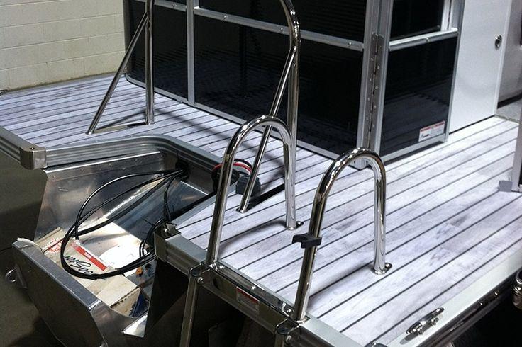 AquaTread Marine Flooring - Weathered Teak 8-1/2' W x Custom Length (SQFT)