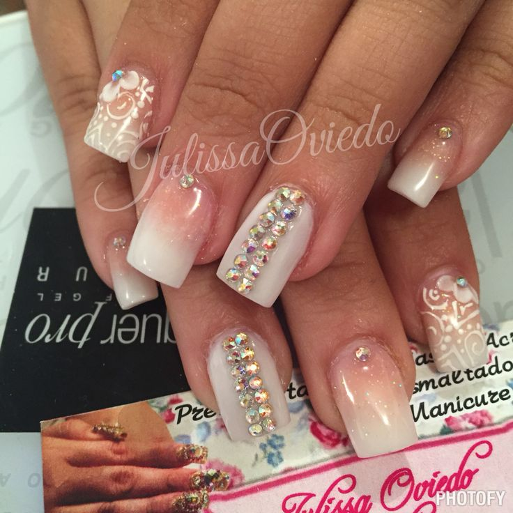 Hermosas uñas    Citas 8110637572