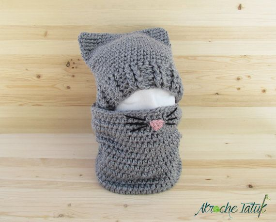 Ensemble «folle aux chats» tuque et cache-cou en laine au crochet pour femme et enfant (sur commande)
