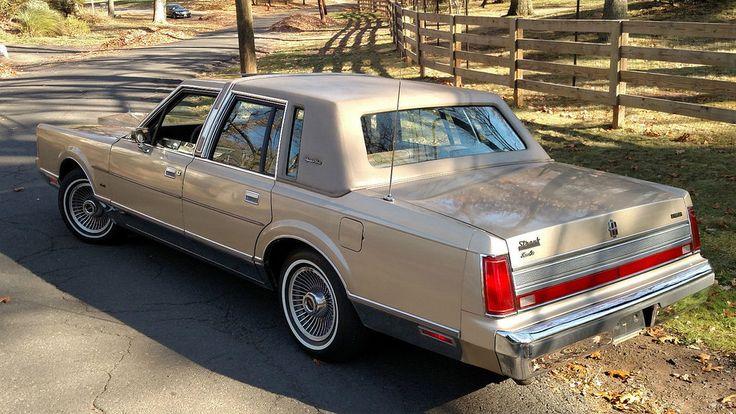 1989 Lincoln Town Car Signature Series