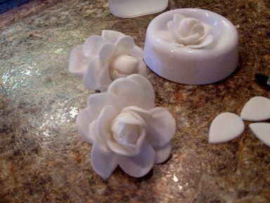 Fondant Roses: My first Wedding Cake