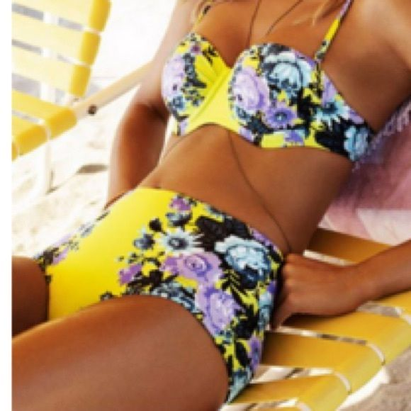 YELLOW FLORAL HIGH WAIST BIKINI  (M) FLORAL PRINT HIGH WAISTED PLEASE DO NOT PURCHASE THIS LISTING. COMMENT THAT YOU EOULD LIKE TO PURCHASE AND I WELL MAKE ANNEW LISTING FOR YOU. UNDERWIRE, MOLDED BRA CUPS. REMOVABLE STRAPS. ADJUSTABLE BACK CLOSURE. THIS IS A TRUE MEDIUM. IT DOES NOT RUN SMALL. Swim Bikinis