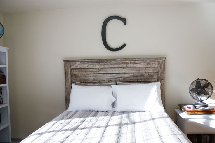 DIY aged headboard using new wood.  Great instructions and lots of pictures.  So cool!