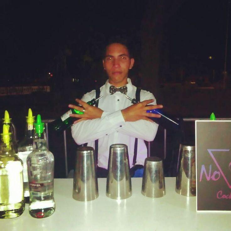 #Bartender #novascocktail El buen servicio y la experiencia en esta nueva era de la cocteleria es lo que nos identifica la satisfacción de nuestros clientes es lo que nos motiva. Nova's Cocktail siempre estará disponible para ti.