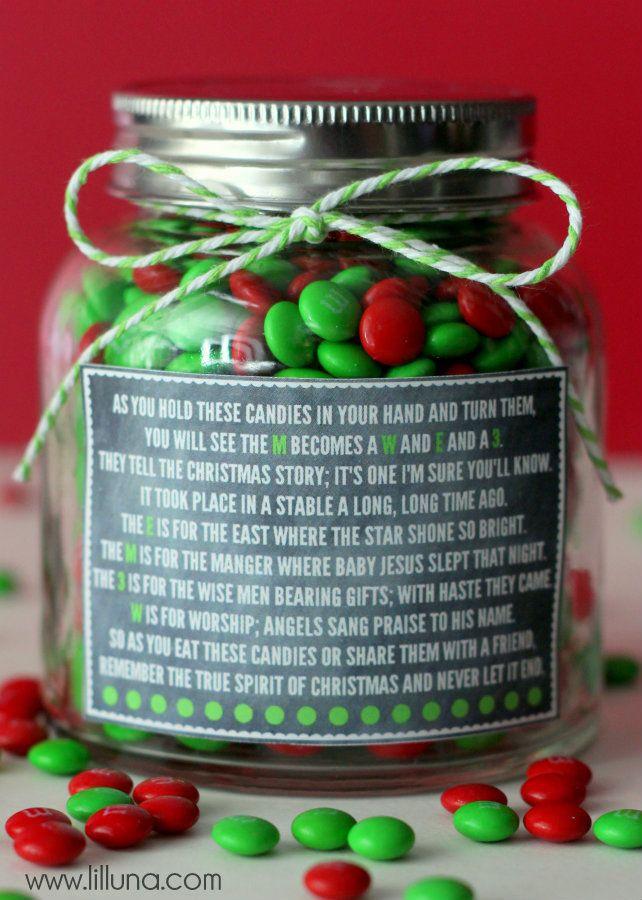 Christmas M&M Poem and Gift Idea on { lilluna.com } #gift