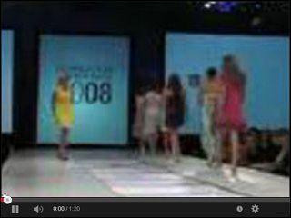 Wpadka podczas pokazu modelek w serwisie www.smiesznefilmy.net tylko tutaj: http://www.smiesznefilmy.net/wpadka-podczas-pokazu-modelek #models #girls #funny