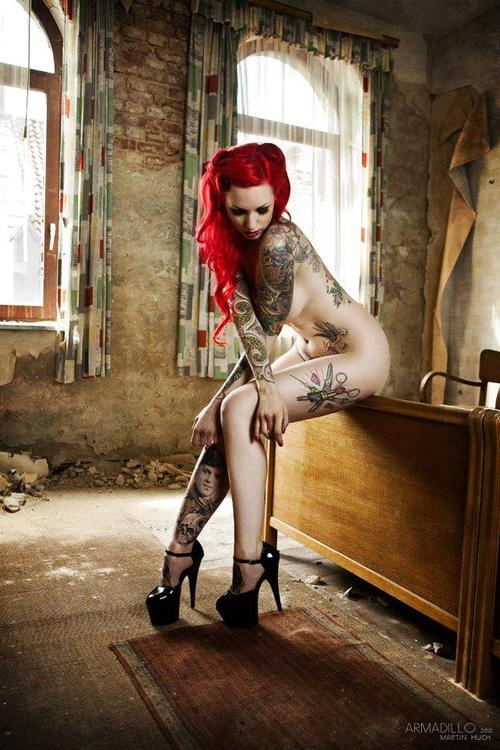tattoo pinup girl nude