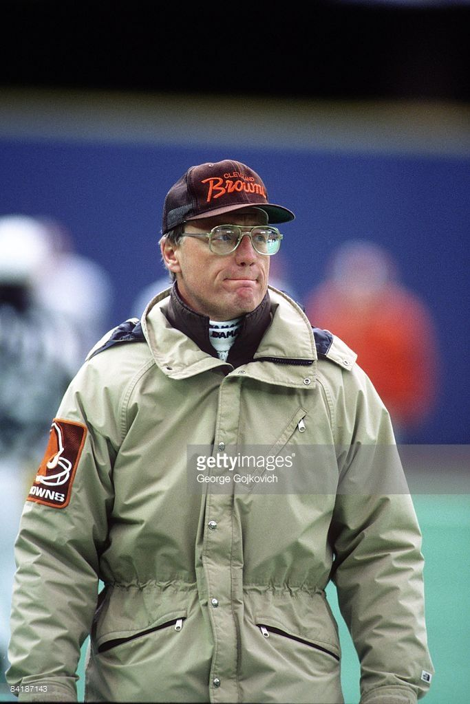Head coach Marty Schottenheimer of the Cleveland Browns looks on from the sideline during a game against the Pittsburgh Steelers at Three Rivers Stadium on December 26, 1987 in Pittsburgh, Pennsylvania.