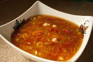 Recette Soupe aux légumes (la meilleure au monde) - Recettes du Québec Easy and quick Vegetable soup. Can be doubled ,tripled whatever you desire.
