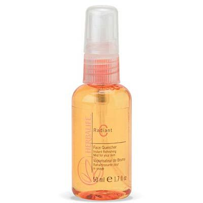Refreshing vitamin C spritz, for men and women, provides dry, water-starved skin with a cool, rejuvenating burst. Helps set makeup for longe...