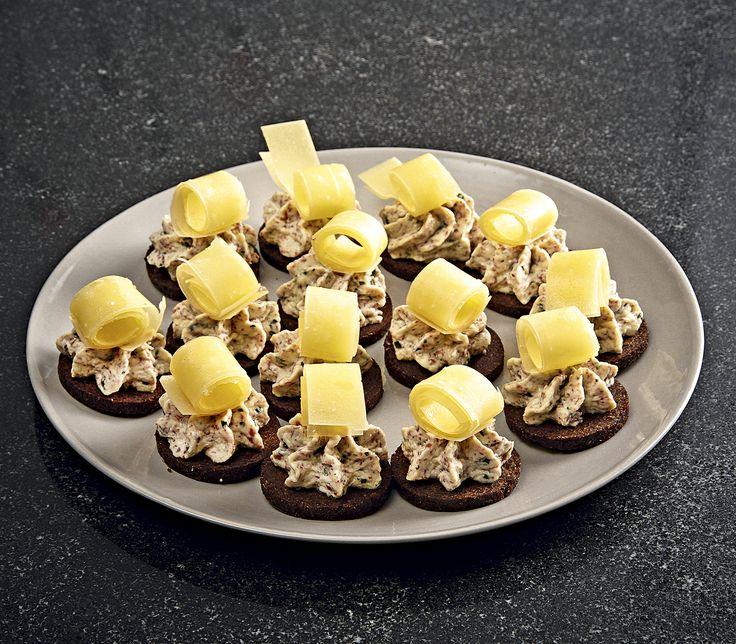 Diese kleinen Brötchen sind nicht nur ein köstliches Apéro-Häppchen, sondern auch eine originelle Beilage zu einem Salat.