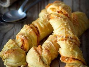 Petits pains torsadés à la feta et tomates séchées • Hellocoton.fr