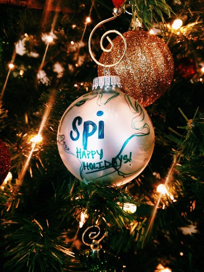Explore global #holiday traditions in France, China, Costa Rica, Spain & Italy! #spistudyabroad