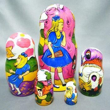"""マトリョーシカ(不思議の国のアリス) Matryoshka """"Alice in Wonderland"""""""