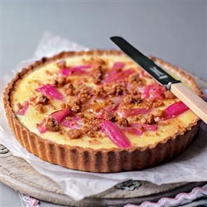 Rhubarb and custard crumble tart