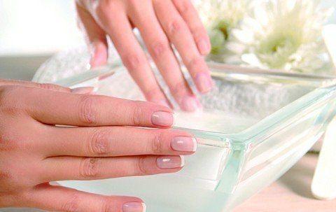 Ванночки для укрепления ногтей.