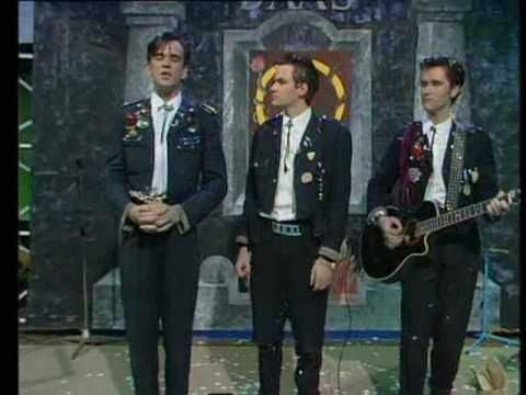 DAAS: The Big Gig - I Wanna Spill The Blood Of A Hippy - YouTube