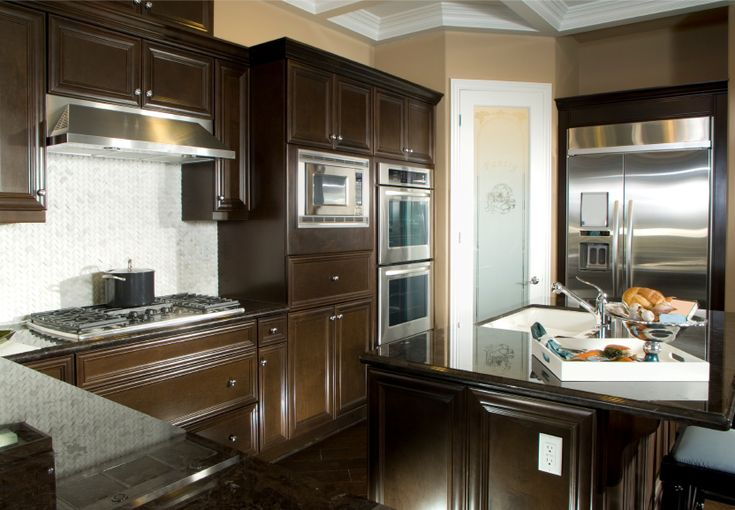40 magnificent kitchen designs with dark cabinets dark for Chocolate kitchen cabinets with stainless steel appliances