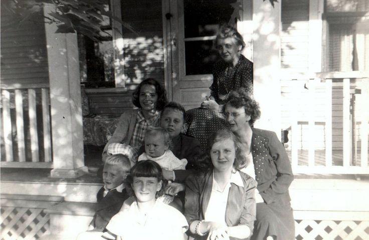 Imperoyal Village Avenue A - Aunt Nance, Janet, Paul Romkey holding Nancy (sister), Claire, Robert, and Aline Romkey, Lois Heatherington