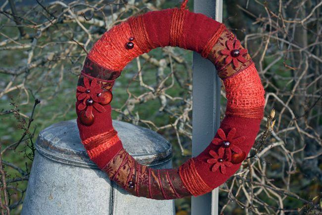 http://holmsundsblommor.blogspot.se/2010/11/krans-i-rott.html