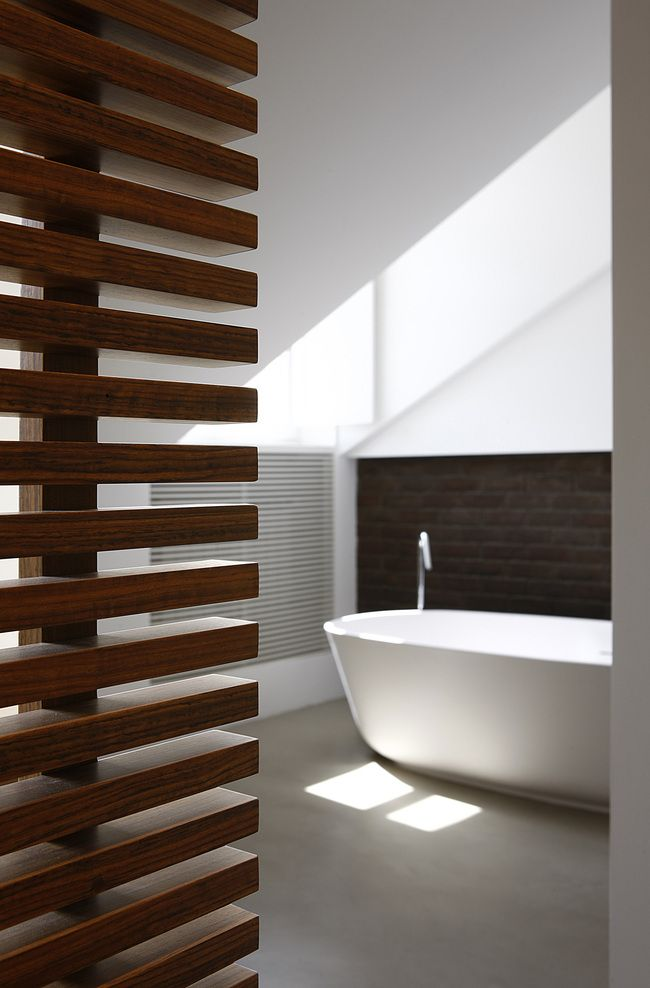 Bathroom in and out pinterest design salle de bains - Mur de separation interieur ...