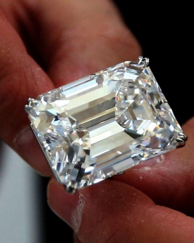 100 carat FANCYS Type | A Colorless Flawless Diamond