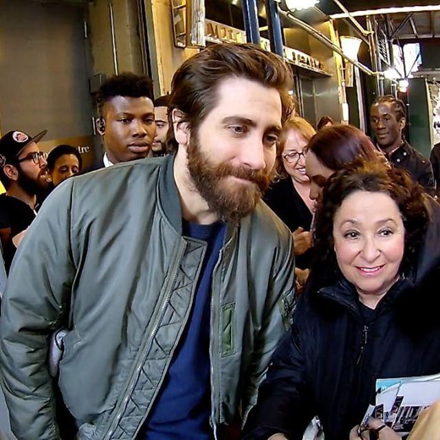 Я ПРОСТО ШЛА МИМО!!!!!!!!😅 Смотрю - толпа и Джейк Джилленхол😂 Что происходит????)  #whattafuckisgoingon  ?????))))  #crazytrip   #jakegyllenhaal