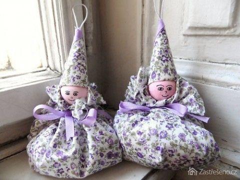 Dekorační panenky s levandulí (http://www.zastreseno.cz)