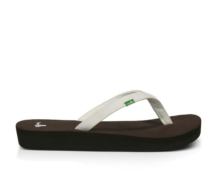 Sanuk   Women's Nirvana Sandals White  Flip Flops