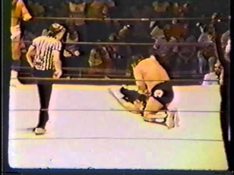 Harley Race/ Masked Superstar/ Ric Flair vs Blackjack Mulligan/ Dick Mur...