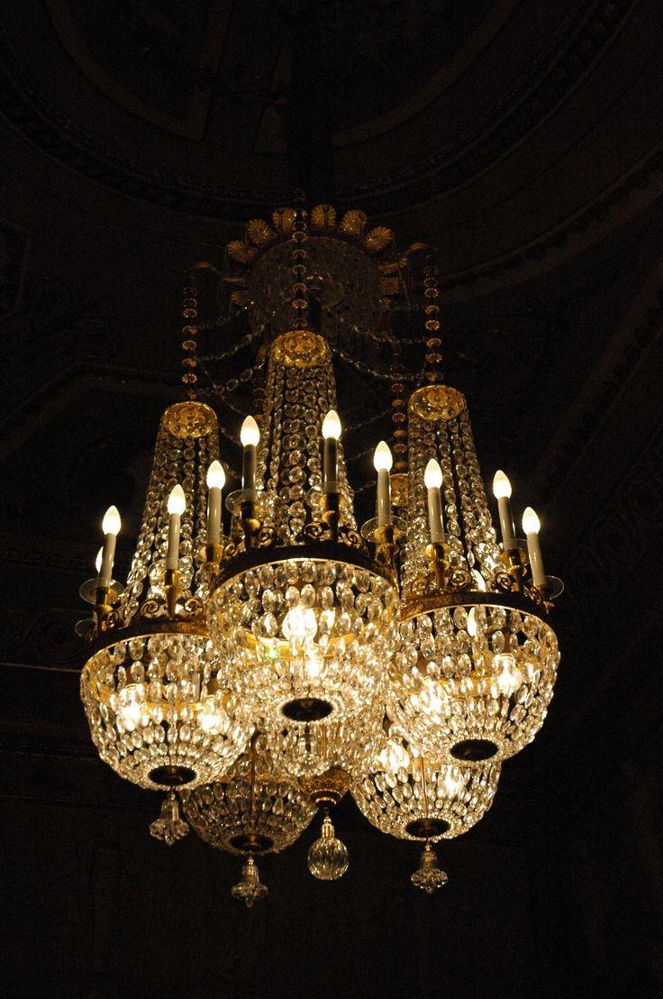 Chandelier in the royal palace of madrid lamparas y - Lamparas de techo madrid ...