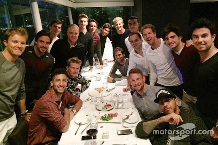 Nico Rosberg, Fernando Alonso, Daniel Ricciardo, Nico Hulkenberg, Valtteri Bottas, Max Verstappen, Daniil Kvyat, Esteban Gutierrez, Esteban Ocon, Marcus Ericsson, Felipe Nasr, Pascal Wehrlein, Felipe Massa, Sebastian Vettel, Jenson Button, Carlos Sainz Jr., Lewis Hamilton, Sergio Perez