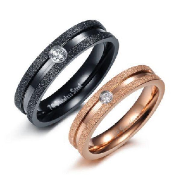 Anello di fidanzamento maschio-femmina