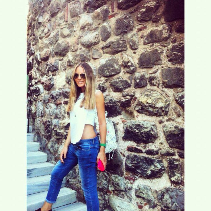 Hande sarıoğlu- street fashion- sokak modası- saçlar makas nişantaşı- - doğal sarılar- gölge- kumral sarısın ombre- saç rengi- hande sarioglu-