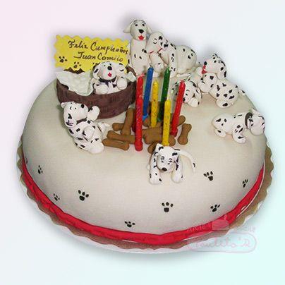 Ponque de chocolate decorado con los perritos de los 101 Dálmatas