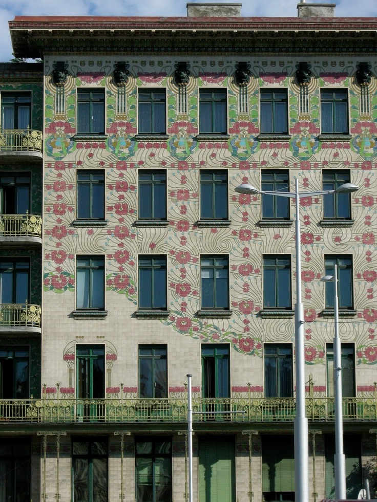 """Majolikahaus, Vienna .  Constructed by Otto Wagner in the """"Vienna Jugendstil"""" 1898 - 99 , Photography by Karl Seitinger 2011"""