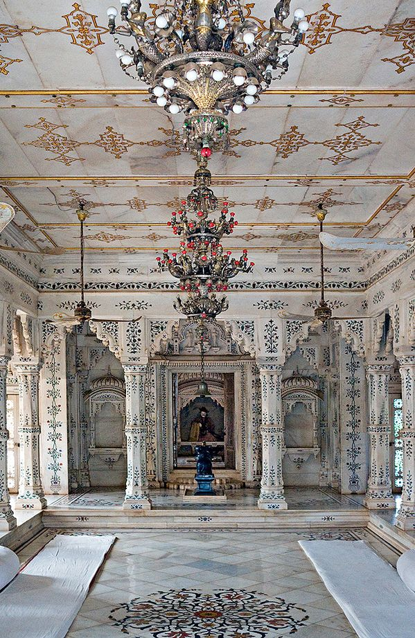 Palace interior, Shivpuri, Madhya Pradesh, India - You have to wonder for places so beautiful how can there be SO much poverty.  It's seem to hold true for any nation any country.  So sad.