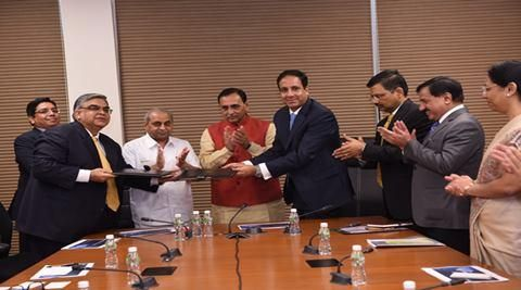 Cisco signs MoU with Gujarat govt for IoT, developing GIFT as Smart City.
